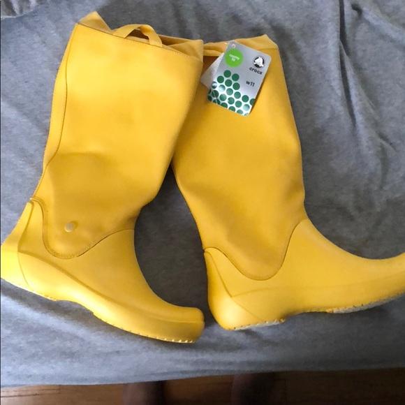 2547db882846c NWT CROCS RainFloe Boot In Canary Yellow